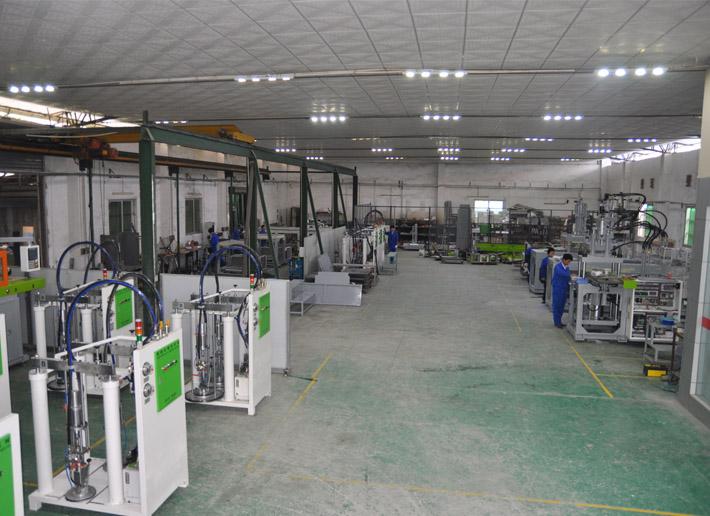 大型液态硅橡胶设备生产车间